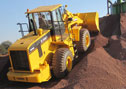 XG958 loader works at a crushing plant in India flexible and efficient