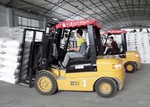 3吨叉车物流仓库作业