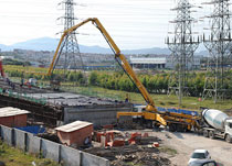 厦工泵车支援厦成高速建设
