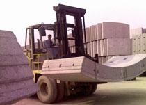 厦工叉车建材工厂作业